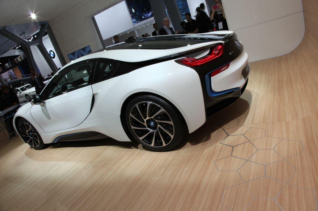 i8 : BMW double la production pour répondre à la demande 4
