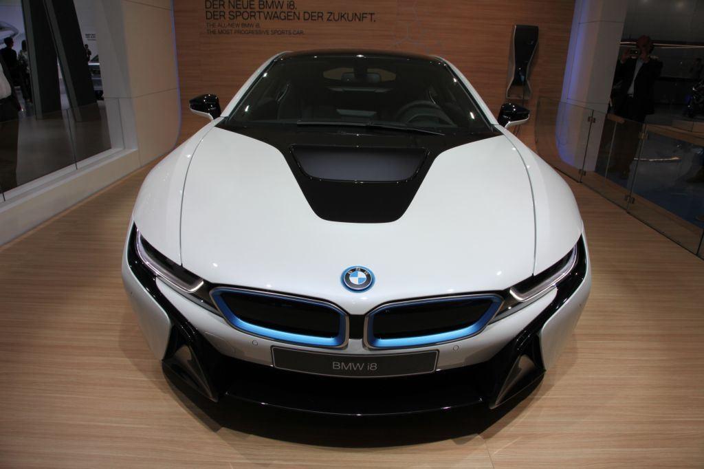 i8 : BMW double la production pour répondre à la demande 7