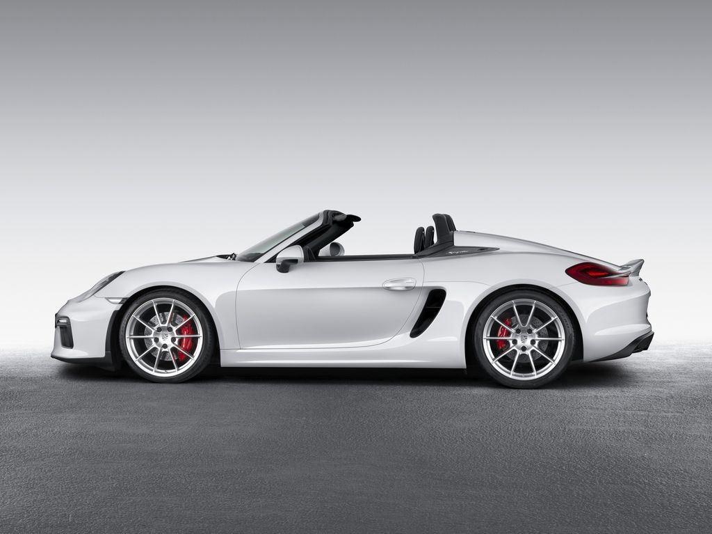Porsche dévoile une nouvelle déclinaison Boxster Spyder 8