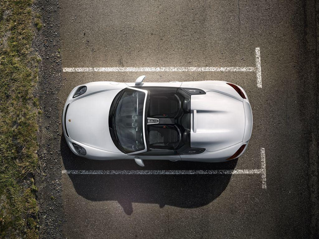 Porsche dévoile une nouvelle déclinaison Boxster Spyder 9