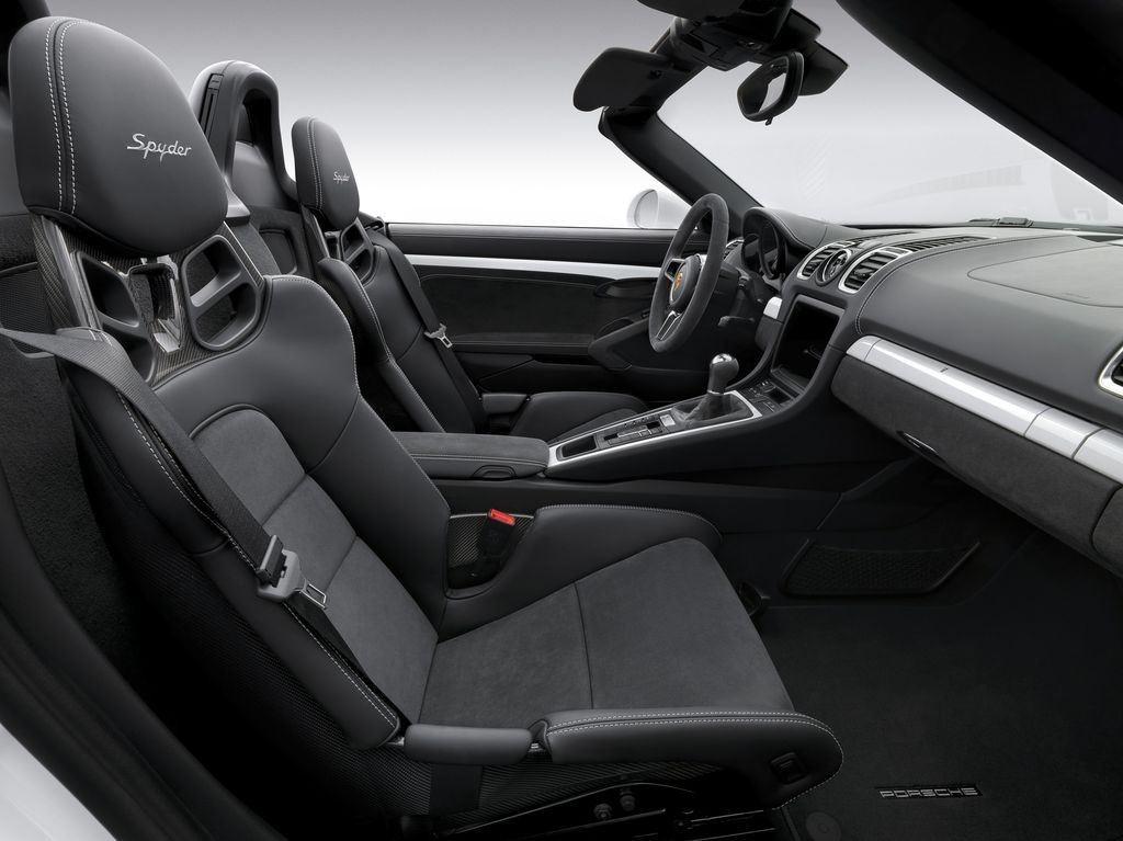 Porsche dévoile une nouvelle déclinaison Boxster Spyder 12
