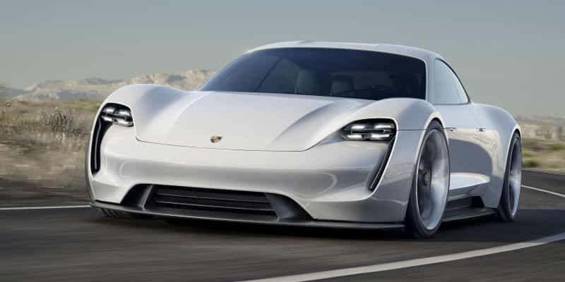 Impossible de départager le plus beau concept car 2015 : la Porsche Mission E et la Mazda RX Vision arrivent ex aequo
