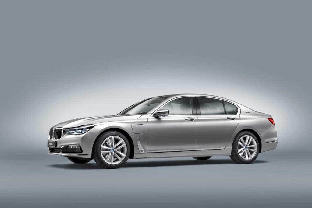 740e iPerformance : une BMW hybride pour le Salon de Genève 3