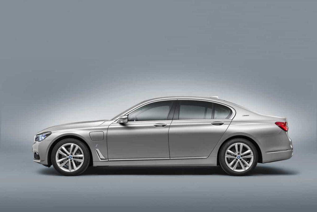 740e iPerformance : une BMW hybride pour le Salon de Genève 5
