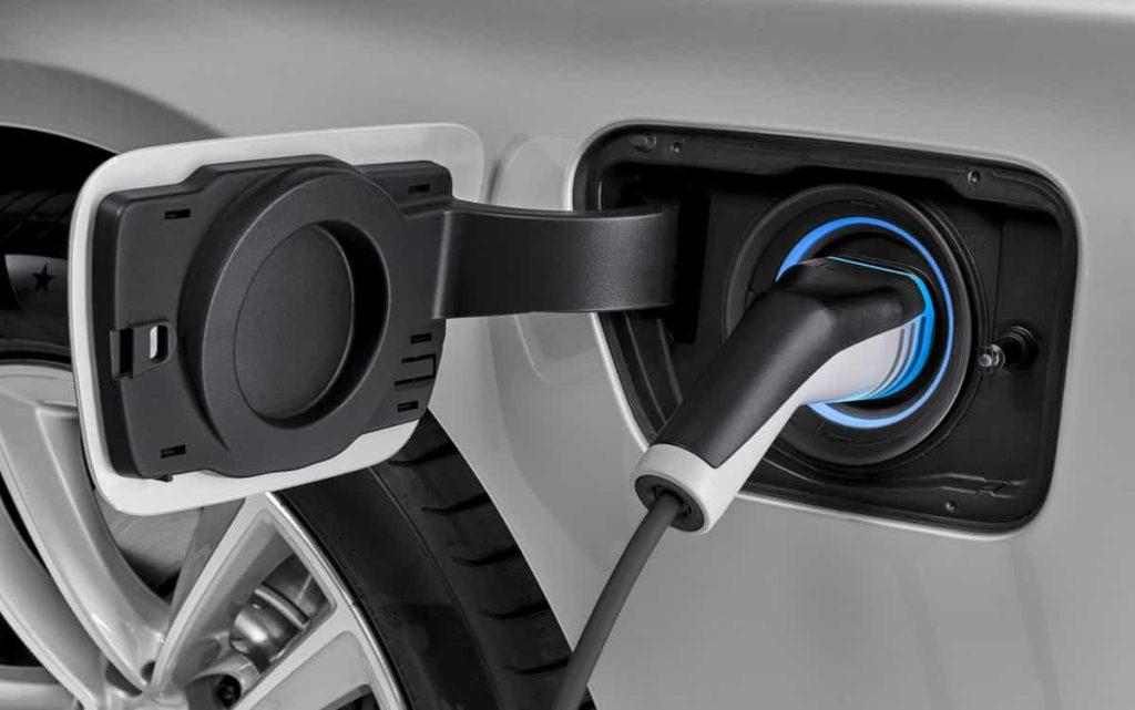 740e iPerformance : une BMW hybride pour le Salon de Genève 8