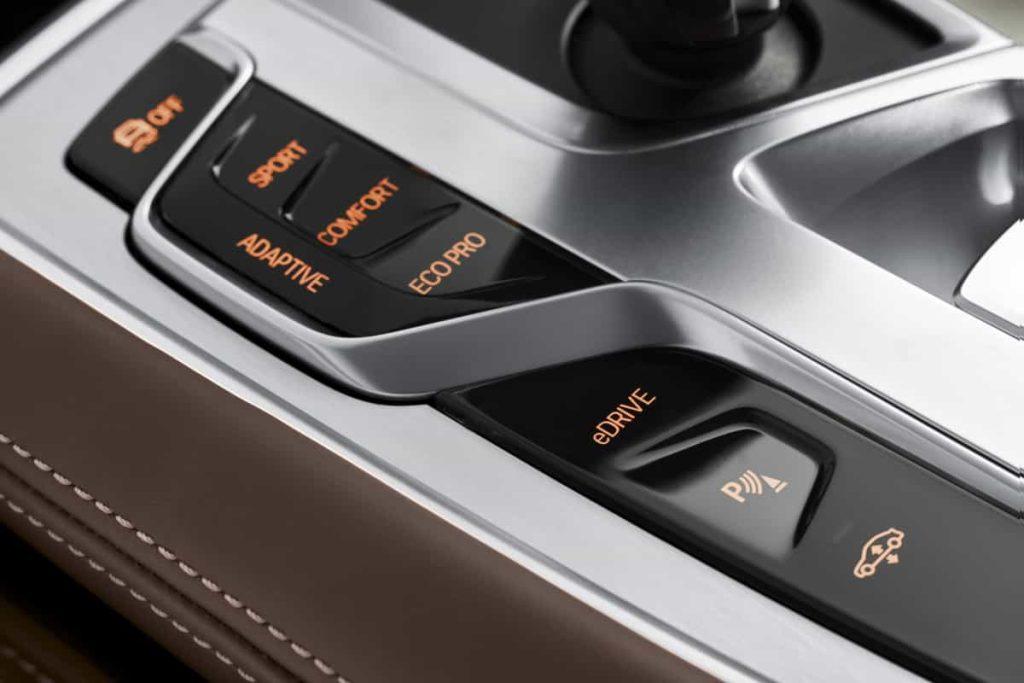 740e iPerformance : une BMW hybride pour le Salon de Genève 14