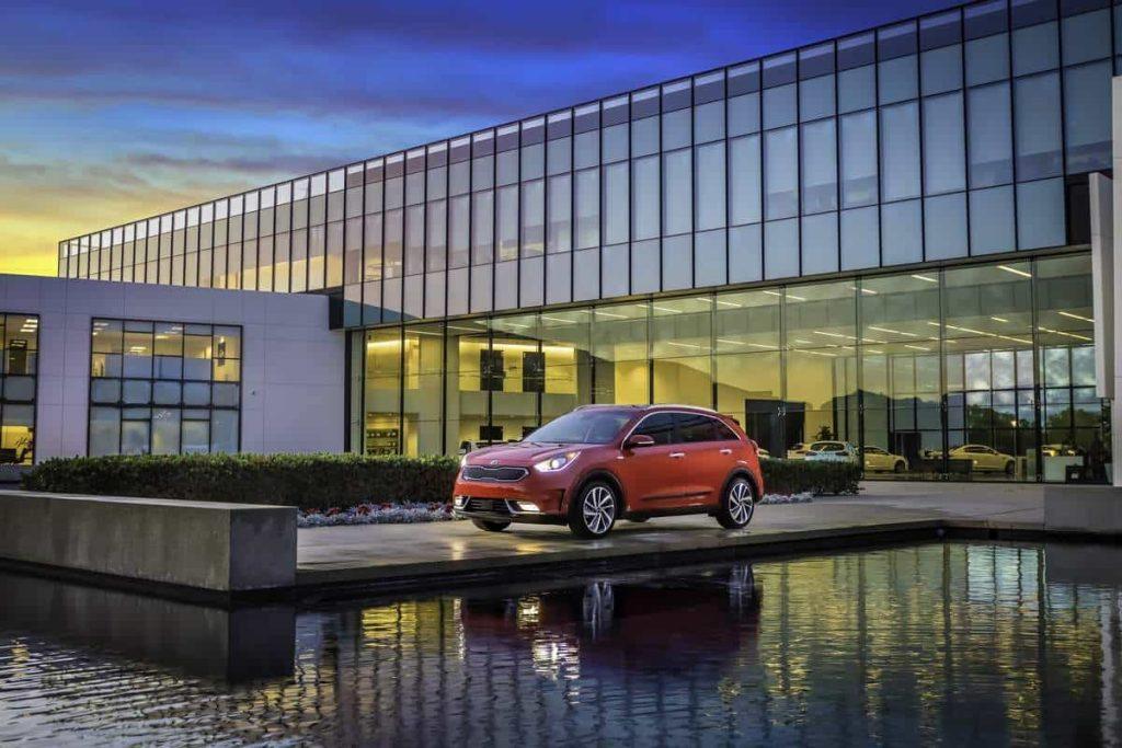 Kia lève le voile sur son premier crossover hybride : le Niro 5
