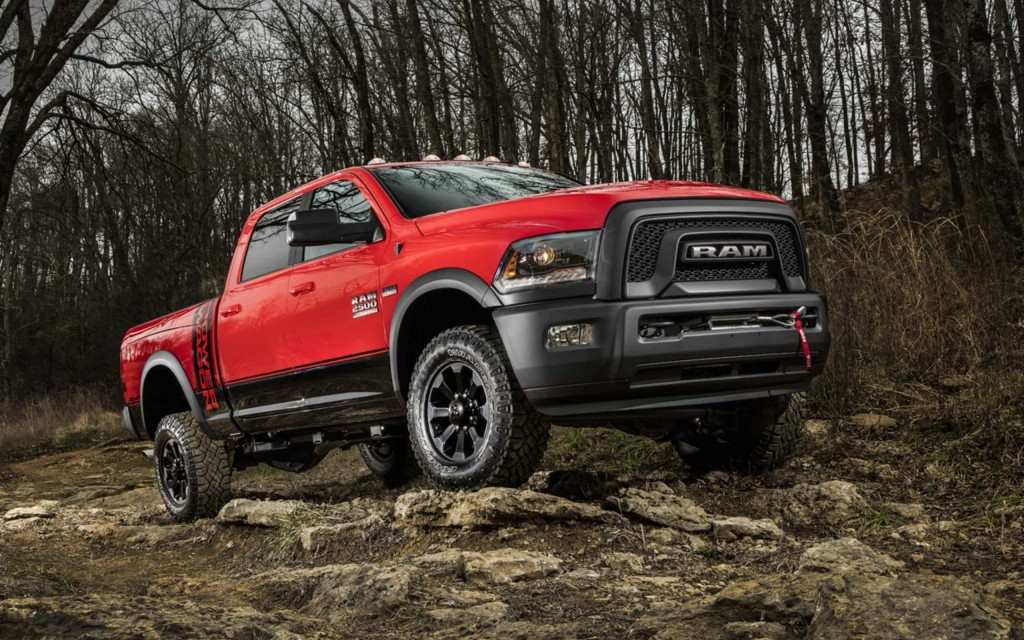Le Power Wagon 2017 complète la gamme de camionnettes tout-terrain Ram : le véhicule ultime ? 3