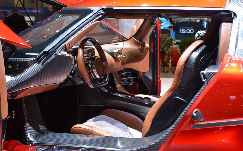 La décoiffante Regera de Koenigsegg se dévoile à Genève 4