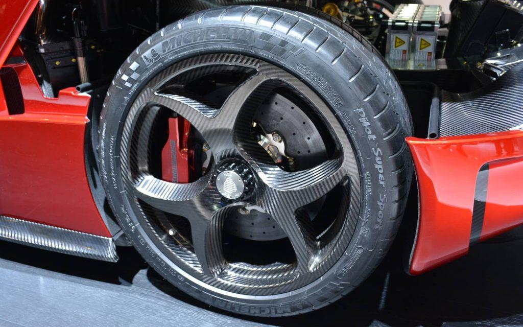 La décoiffante Regera de Koenigsegg se dévoile à Genève 5