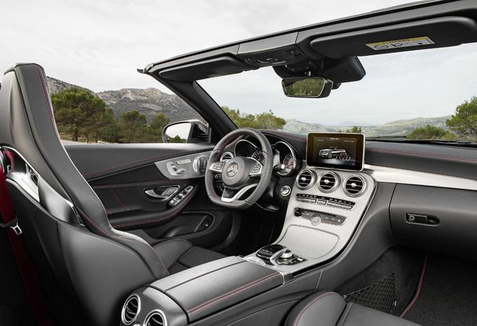 La Mercedes-AMG C 43 s'est dévoilée en couple, un coupé et un cabriolet 10