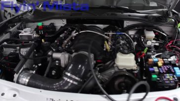 525 ch dans la Mazda MX-5 grâce à un V8 installé par Flyin' Miata