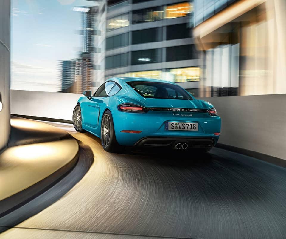 Une sonorité moins pure pour la Porsche 718 Cayman S, mais le plein de sensations