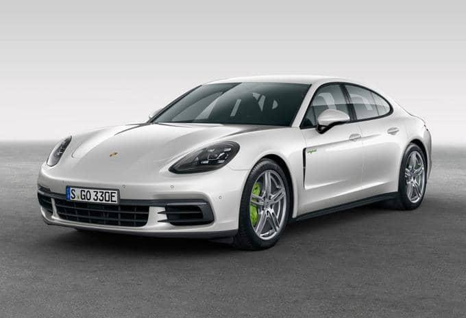 Au lieu de s'appeler Panamera S E-Hybrid, Porsche lui donne le nom de Panamera 4 E Hybrid