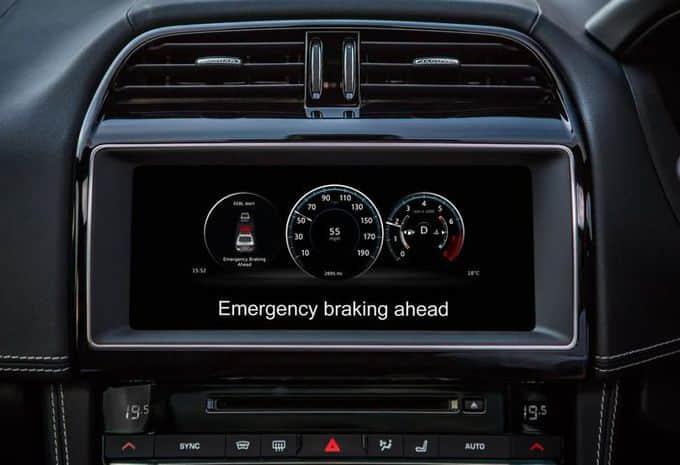 Les véhicules Ford, Jaguar et Land Rover vont communiquer ensemble 4