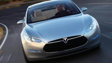 La conduite 100 % autonome s'invite dans toutes les Tesla