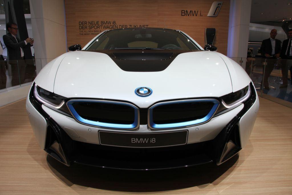 i8 : BMW double la production pour répondre à la demande 6