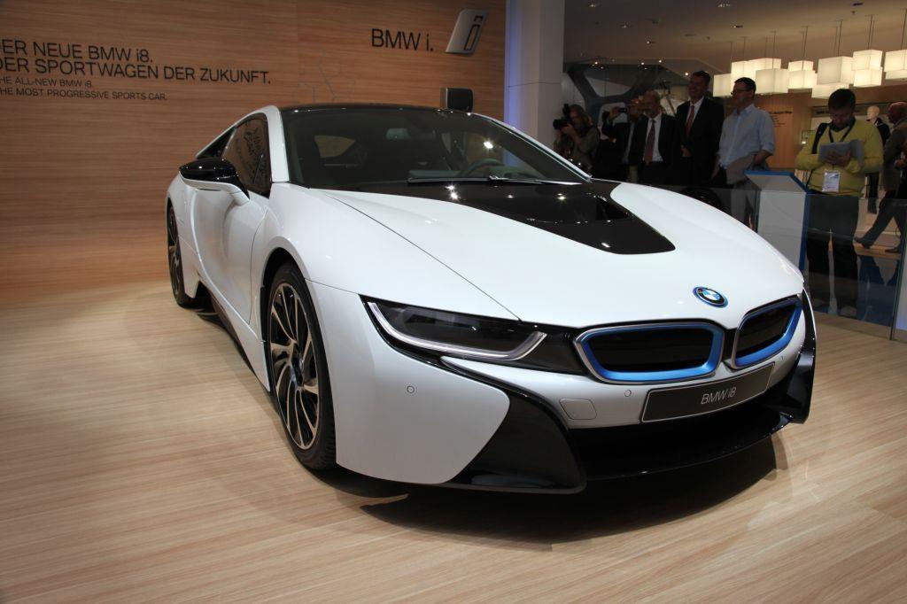 i8 : BMW double la production pour répondre à la demande 8