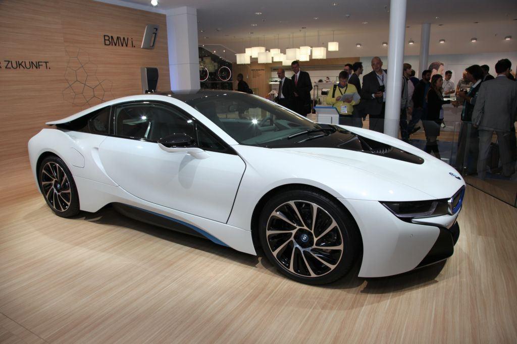 i8 : BMW double la production pour répondre à la demande 9