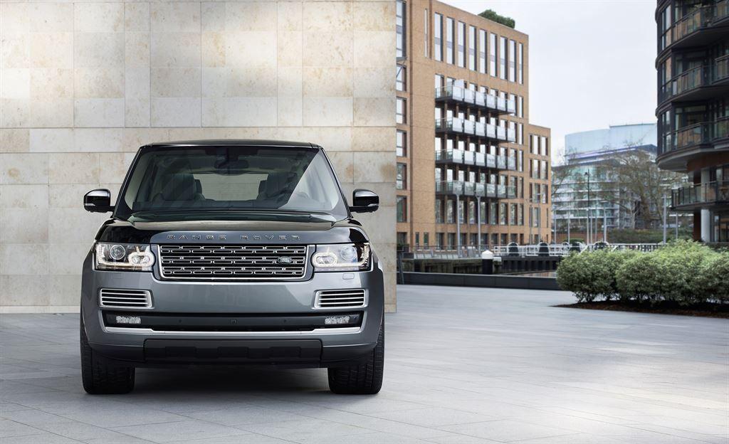 SVAutobiography : Range Rover réagit à la menace Bentley 3