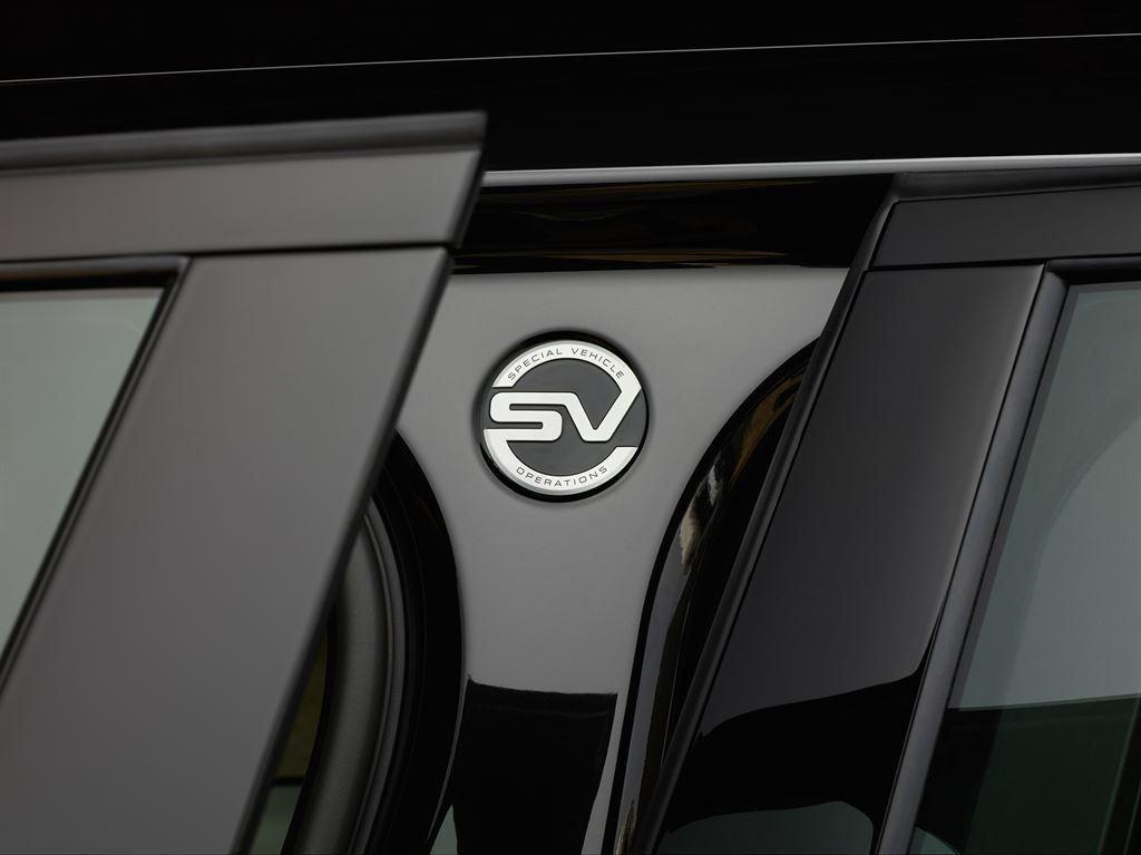 SVAutobiography : Range Rover réagit à la menace Bentley 5
