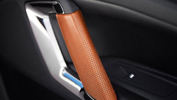 Peugeot : 500 chevaux sous le capot de la 308 R HYbrid 11