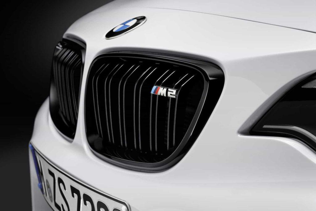 Des éléments en fibre de carbone pour la BMW M2 grâce au pack M Performance 8
