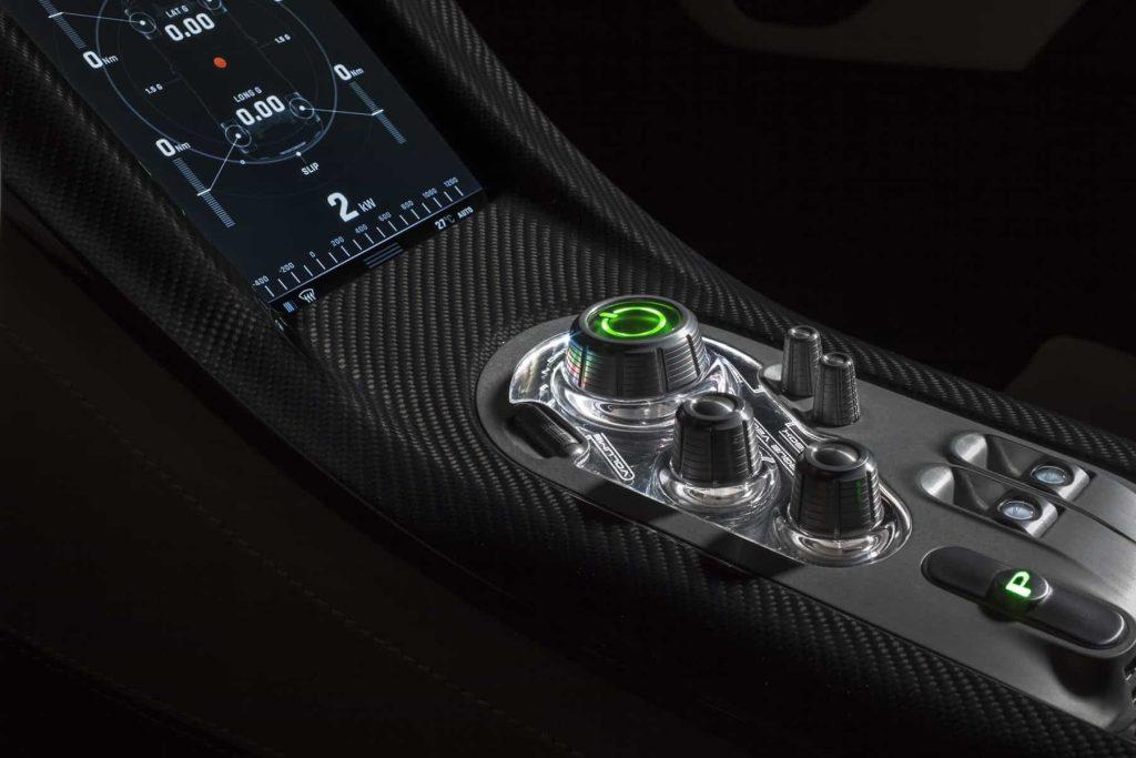 Grâce à ses 1088 ch, la Rimac Concept One passe de 0 à 100 km/h en 2,6 secondes ! 8
