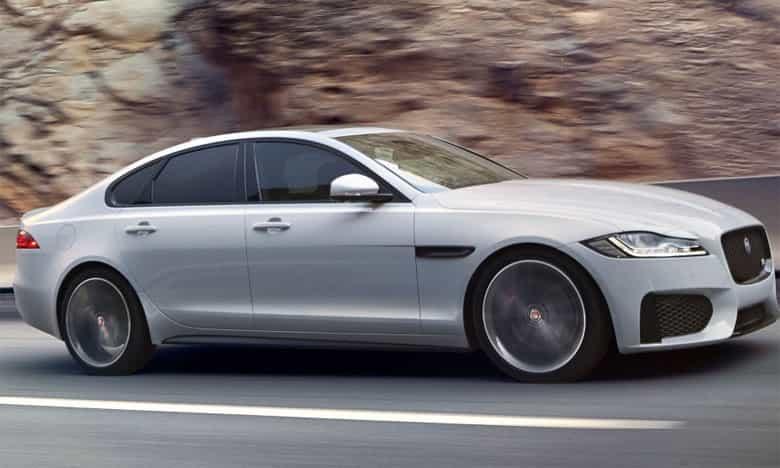 jaguar fait fort 6 voitures nomin es pour tre voiture. Black Bedroom Furniture Sets. Home Design Ideas