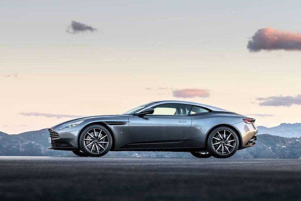 L'Aston Martin DB11 se révèle avant le Salon de Genève