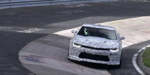 Plus que la puissance brute, la Chevrolet Camaro ZL1 2017 joue la carte de l'équilibre