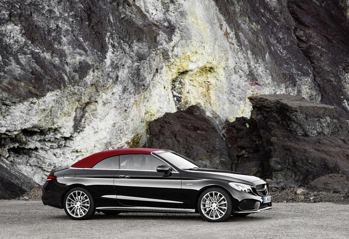 La Mercedes-AMG C 43 s'est dévoilée en couple, un coupé et un cabriolet 2