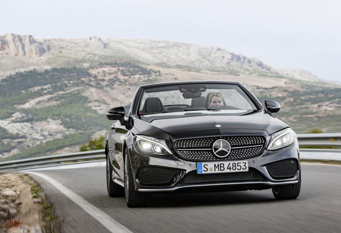La Mercedes-AMG C 43 s'est dévoilée en couple, un coupé et un cabriolet 3