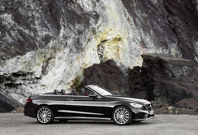 La Mercedes-AMG C 43 s'est dévoilée en couple, un coupé et un cabriolet 7