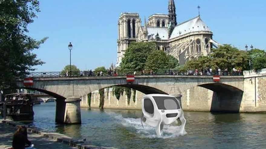 Paris veut tester le Sea Bubble, un véhicule qui « vole » sur l'eau
