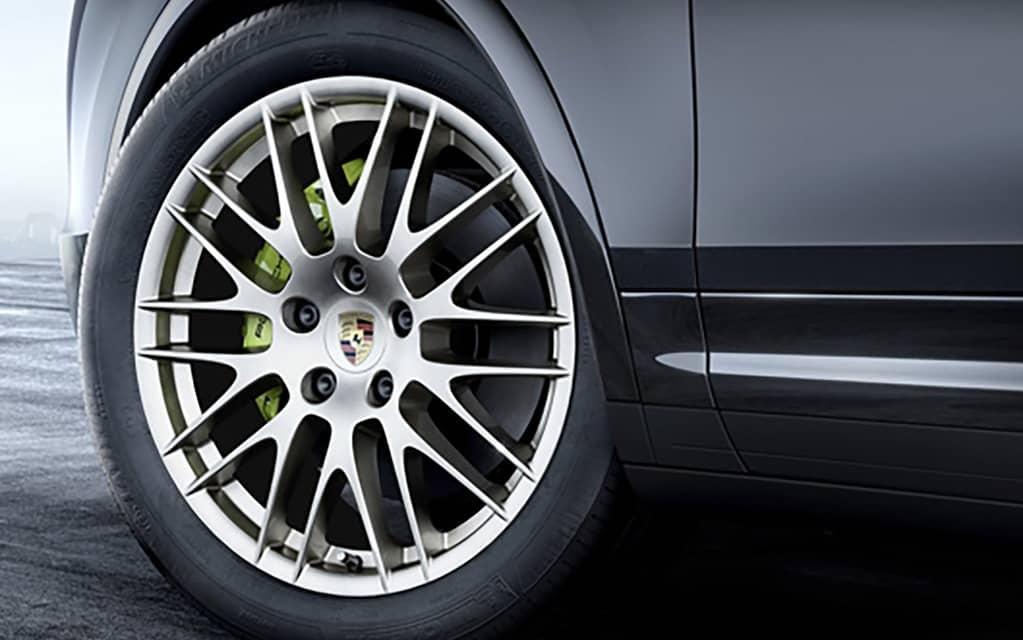 Porsche ajoute une version Platinum de son SUV Cayenne 5
