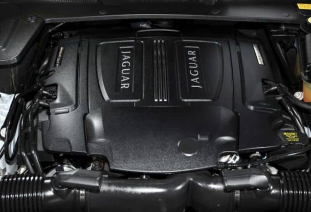 Il se dit que Jaguar pourrait utiliser le futur V8 bi-turbo que BMW est en train de développer.