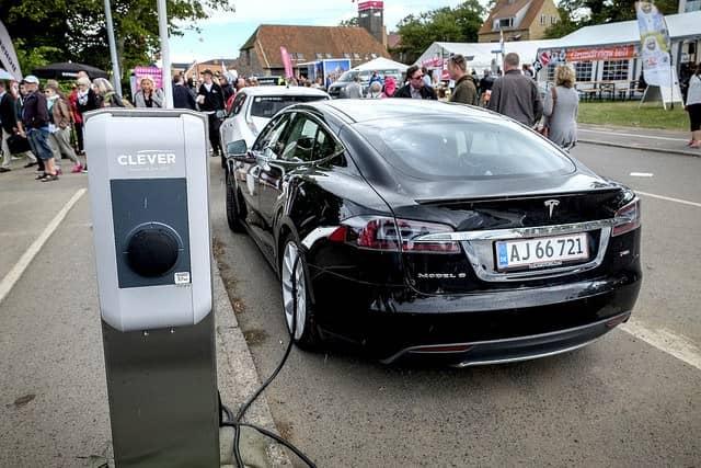 Les ventes de voitures électriques reculent en Allemagne malgré les primes de l'État
