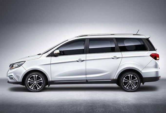 La marque chinoise Bisu présente ses premiers modèles, un SUV et un monospace