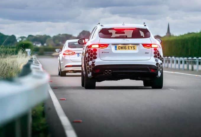 La communication entre véhicules est au programme de Ford, Jaguar et Land Rover