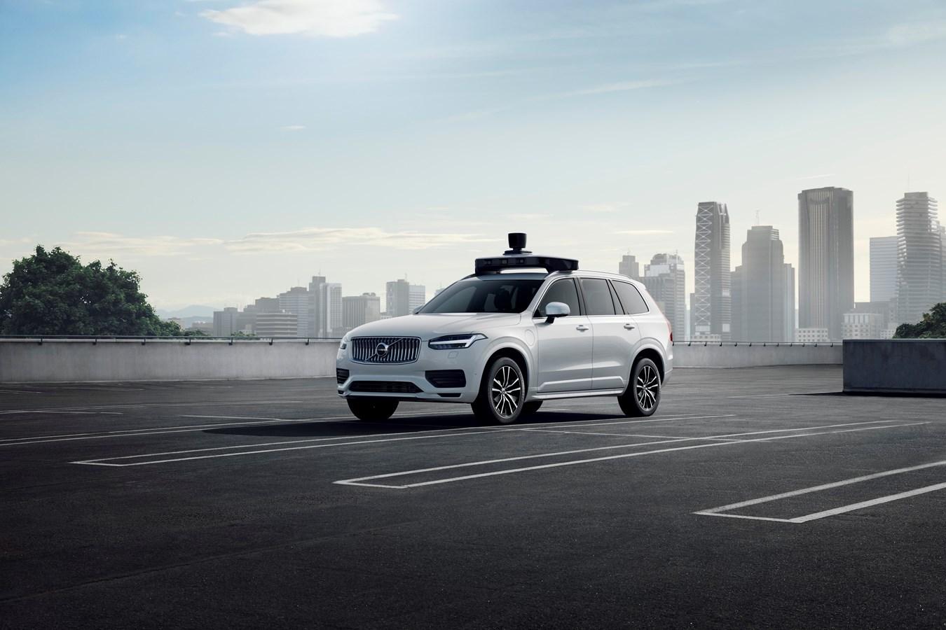 Volvo Cars et Uber présentent un véhicule de série prêt pour la conduite autonome