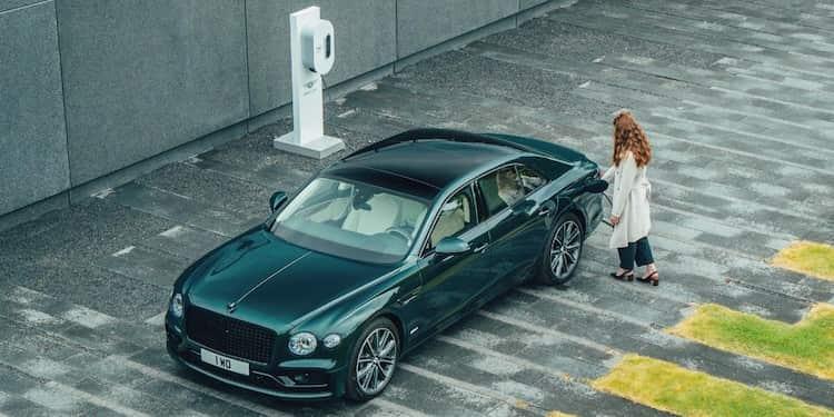 Bentley lance la Flying Spur en version hybride rechargeable